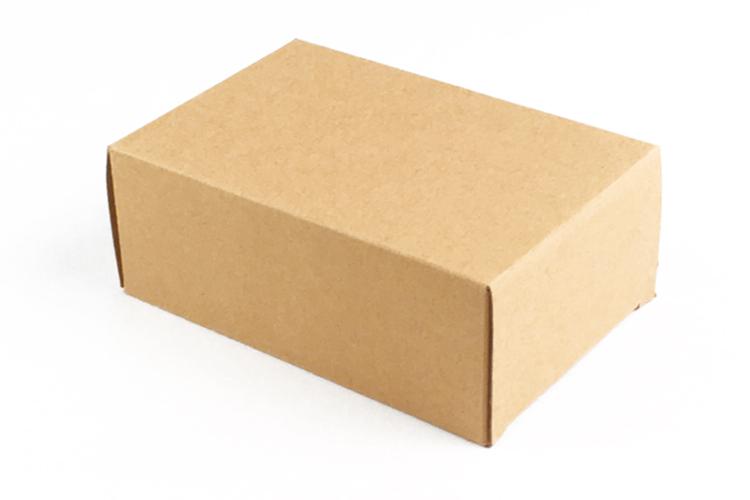 あたたかみのあるクラフトBOXにお入れしてお届けします。